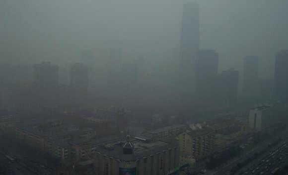 zanieczyszczone powietrze sprzyja rozwojowi otylosci