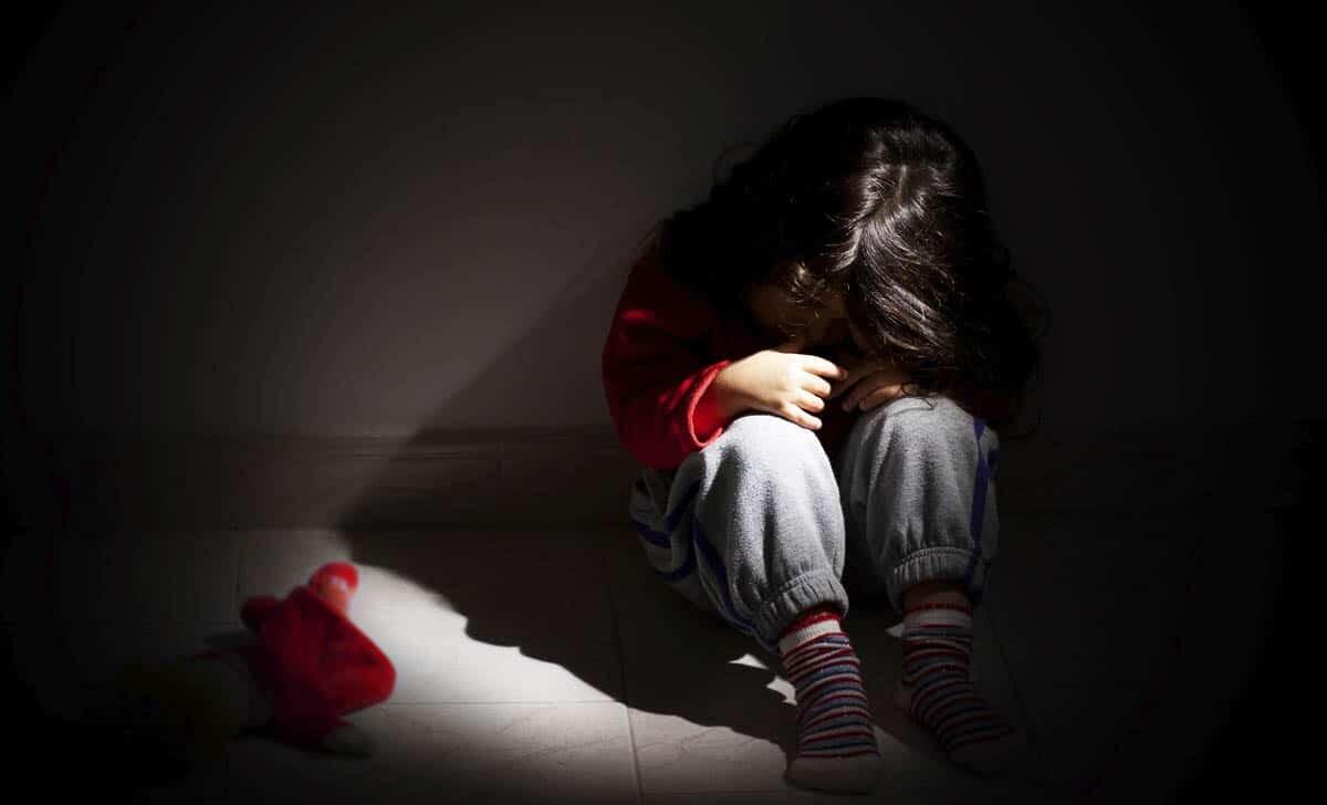 dziecieca trauma a rozwoj mozgu