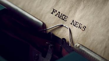 fake newsy sa udostepniane czesciej gdy sa gniewne i wywoluja niepokoj