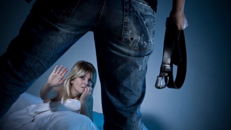 czy ewoluowalismy w kierunku przemocy domowej