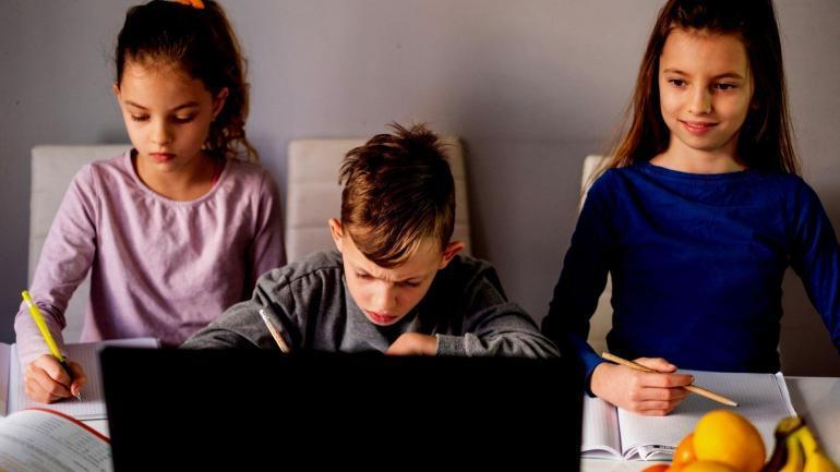 negatywny wplyw lockdownow na zdrowie psychiczne dzieci