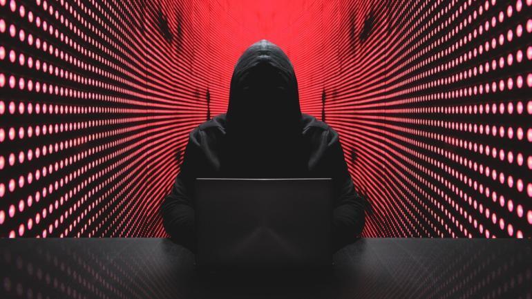 zachowanie hakerow zmienia sie w zaleznosci od plci osoby na ktorej konto sie wlamano