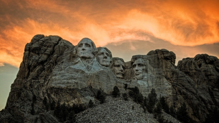 ojcowie zalozyciele ameryki wierzyli ze wychowanie obywatelskie i wiedza historyczna moglyby zapobiec tyranii utrzymujac demokracje